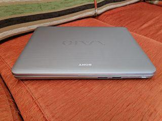 Portátil Sony VAIO 15 pulgadas.