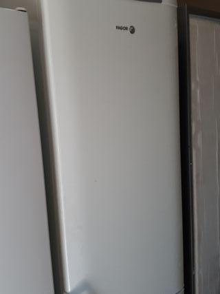 frigorífico FAGOR seis meses garatia