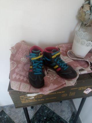 bota zapatillas deportivas Adidas de mujer