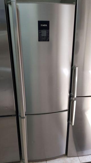 nevera LG de 1.85 M semi nueva