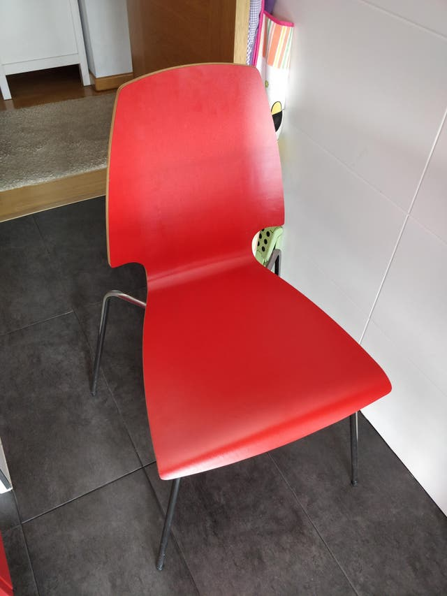 4 Sillas de cocina Ikea de madera en color rojo de segunda mano por ...