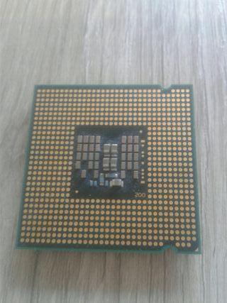 Intel core 2 quad Q8300 2.5Ghz