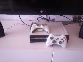 xbox 360 , 60gb con 2 mandos