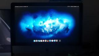 Apple iMac (21.5 inch)