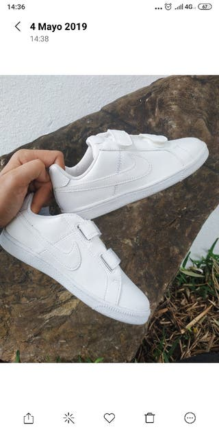 zapatillas Nike número 34.