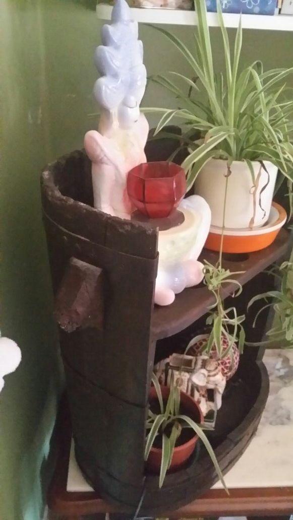 Mueble -JARDINERA (antigua portadora de uva)
