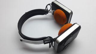 auriculares con radio vintage