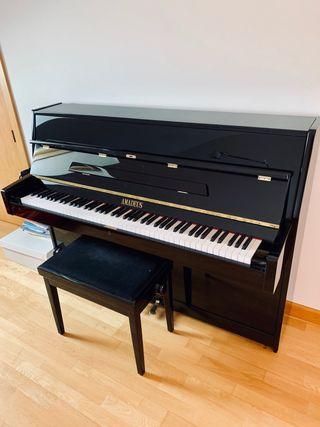 Piano Amadeus Negro