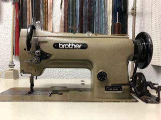 Máquina de coser doble arrastre