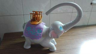 Tika elefante columpio