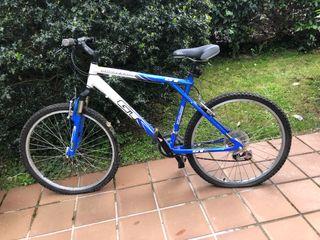 Bicicleta GT con cambios