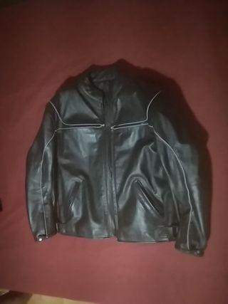 chaqueta de cuero de moto