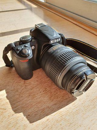 Cámara Nikon D3100 + 2 objetivos