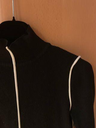 3021e3113cf8 Jersey Zara de segunda mano en Ponferrada en WALLAPOP