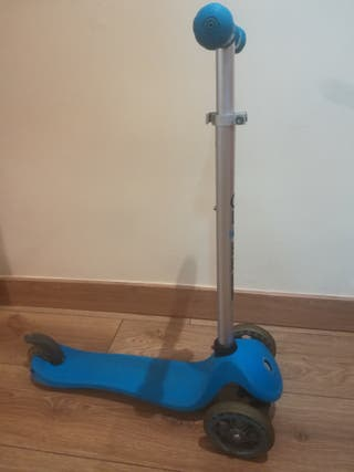 patinete Globber azul 3 ruedas