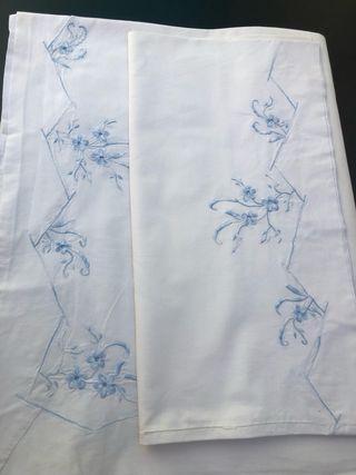 Sabana bordada antigua bordada algodón