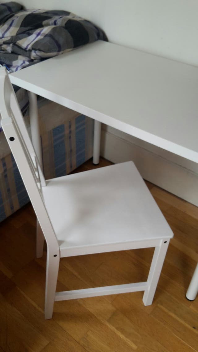 Desk + chair