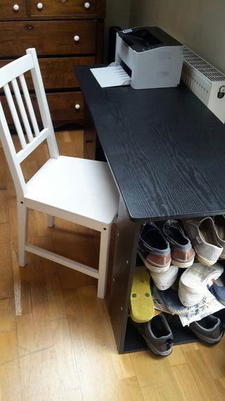 Desk + chair(s)