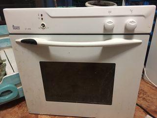 Se vende horno teka nuevo