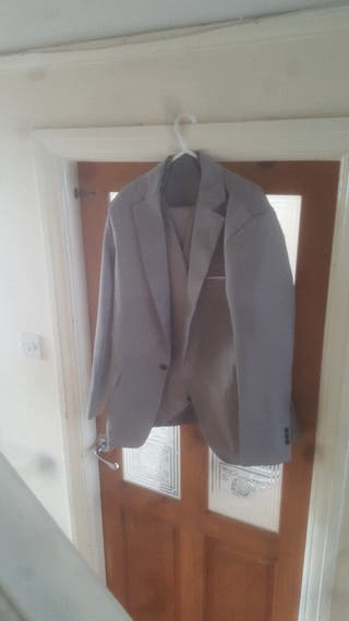 brand new 3 piece suit for sale