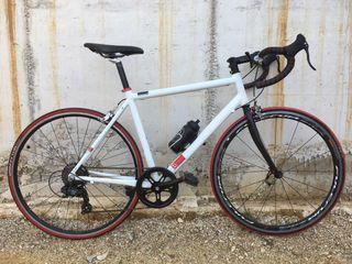 Bicicleta carretera gravel