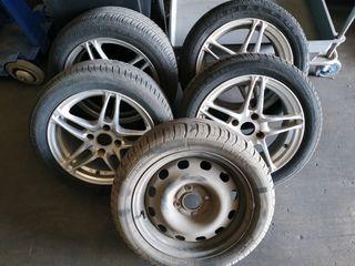 Se venden llantas Targa y neumáticos.