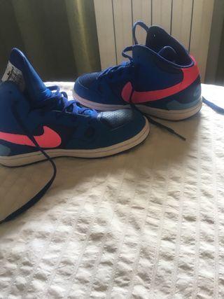 NIKE zapatillas baloncesto NUEVAS T35