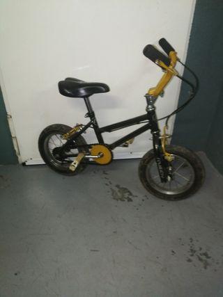 Bicicleta de niño BMX