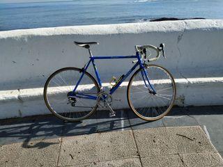 Bicicleta de carretera Camuant competición