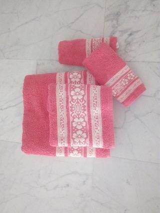Juego de toallas baño nuevo