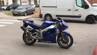 Yamaha r1 carburación