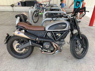 Ducati scrambler café Racer