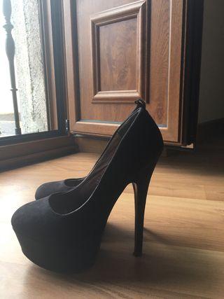 Zapatos de tacón alto de Lolita Blu