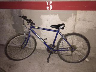 Bicicleta alta Mountain Bike
