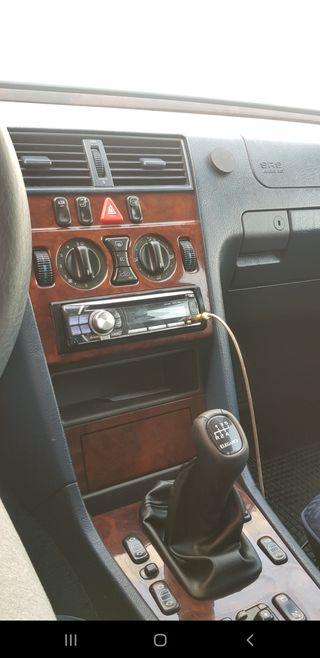 Mercedes-Benz C240 1998