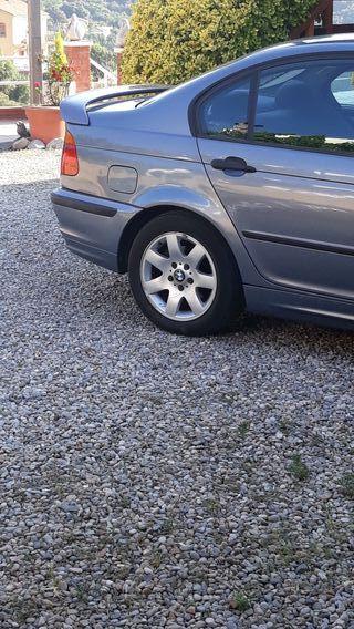 vendo 4 llantas con neumáticos