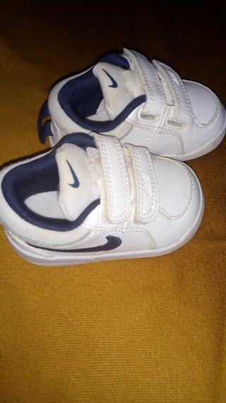 vendo zapatillas Nike verdadera numero 18