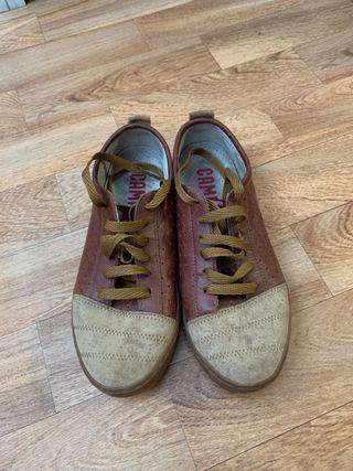 Zapatos niño Camper talla 35 de segunda mano por 19 € en La