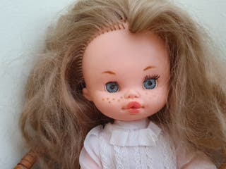 Muñeca tipo lesly comunión años 70