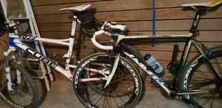 dos bicicletes