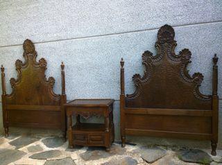 Habitación doble infantil antigua en madera nogal