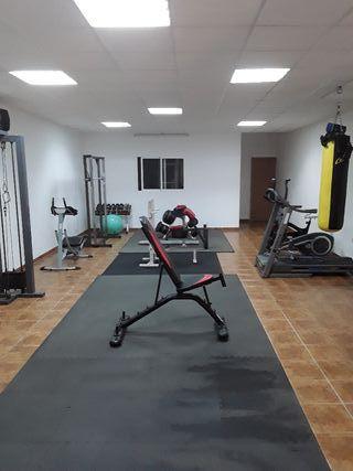 banco ejercicios, máquina gimnasio,press banca, ..