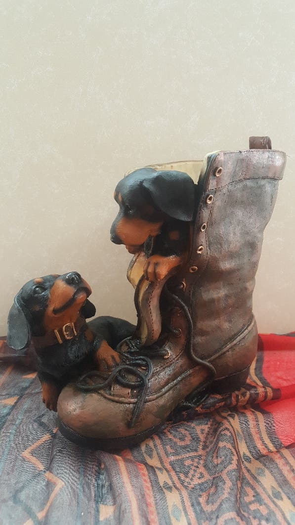 Jarrón - Maceta bota con perritos