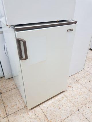 congelador vertical Khan