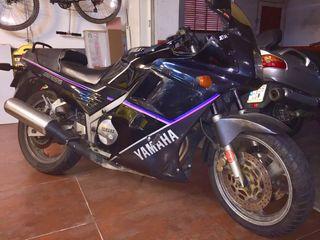 Moto Yamaha FZ Genesis 750cc 105CV