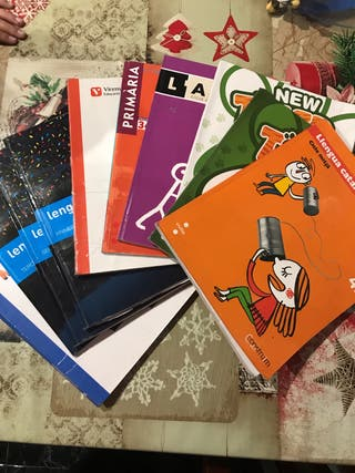 Libros de cuarto primaria colegio M. Alfonsa Cavin