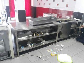 Mesa grande sirve para asador de pollos