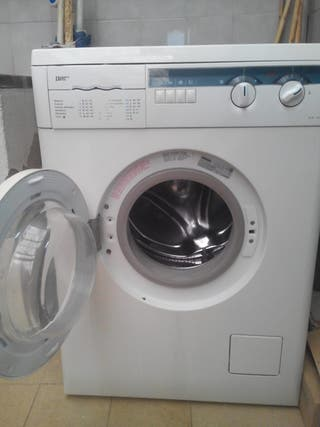 Lavadora para reparar o piezas