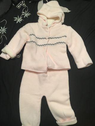Conjunto chaqueta y pantalón punto bebe