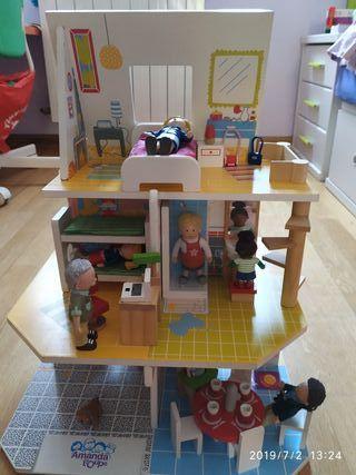 Casa muñecas Amanda Troupe. De madera.